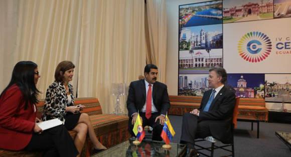 Nicolás Maduro, sostuvo una reunión con su par colombiano, Juan Manuel Santos, luego de sus intervenciones en la IV Cumbre de la Comunidad de Estados Latinoamericanos y Caribeños (Celac).