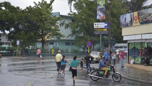 Santiago de Cuba amanece bajo una leve llovizna. Foto: Sierra Maestra.