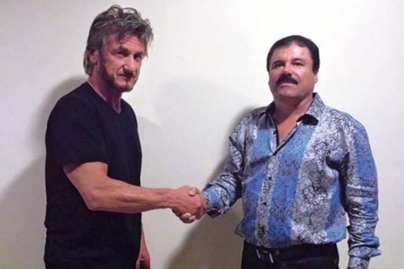 El actor Sean Penn, izquierda, y el narcotraficante Joaquín Guzmán Loera en una foto tomada por motivos de autenticación durante una entrevista para la revista Rolling Stone. Foto: Rolling Stone