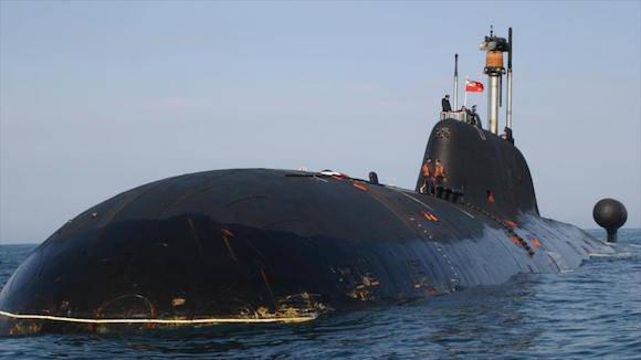 El submarino Sankt Peterburg (B-585) de la Armada rusa.