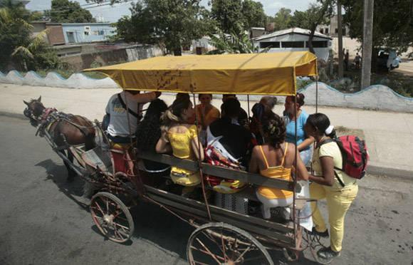 El coche-limusina. Foto: Ismael Francisco/Cubadebate.