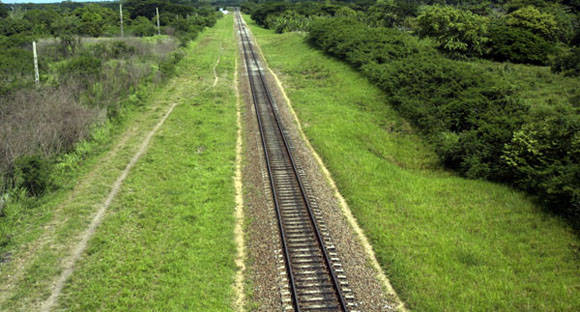 ¿El ferrocarril? Foto: Ismael Francisco/Cubadebate.
