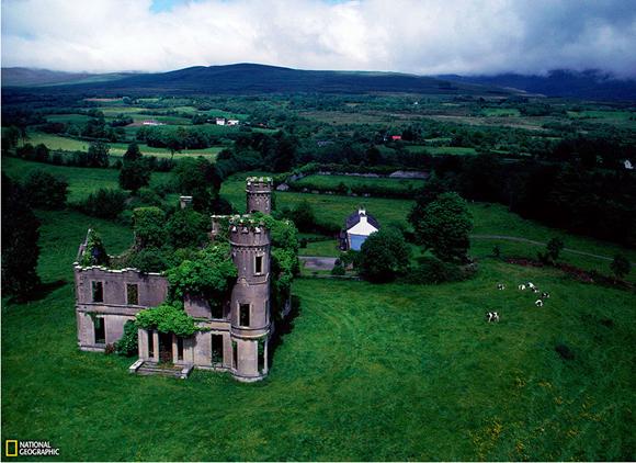 Mansión olvidada en Irlanda. Foto: Sam Abell.
