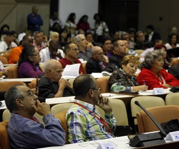 Más de tres mil participantes asisten al Congreso. Foto: José Raúl Concepción/Cubadebate.