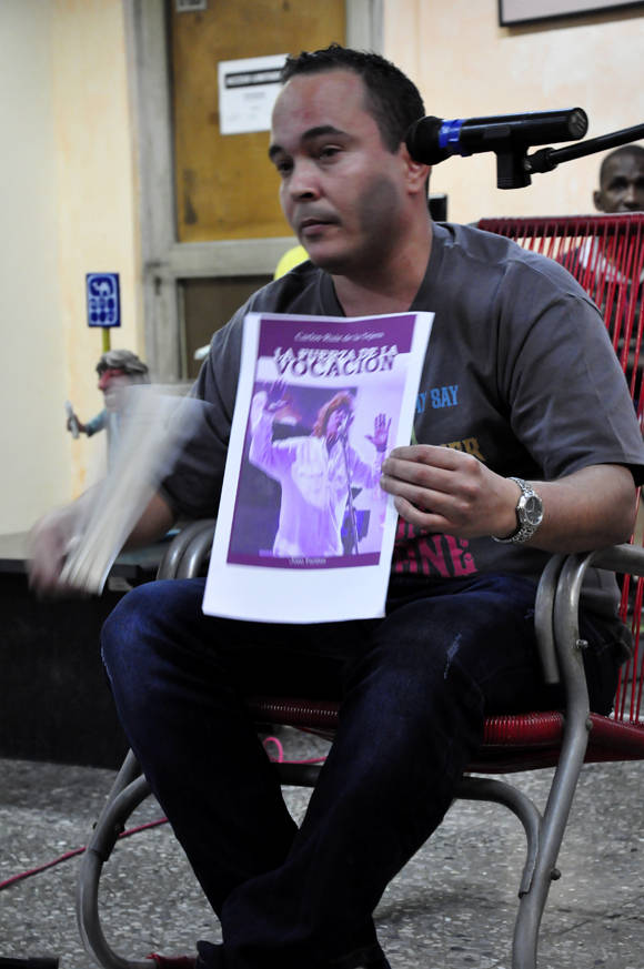 Presentación del libro, La Fuerza de la Vocación, dedicado a Carlos Ruiz de la Tejera. Foto: Roberto Garaicoa/Cubadebate.