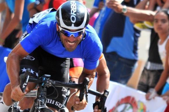 6ta etapa-Camaguey-Ciego Jan Carlos Arias se pone al frente de la vuelta. Foto: Ricardo López Hevia