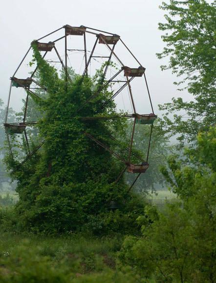 Antiguo parque de diversiones. Foto: @KyleTelechan.