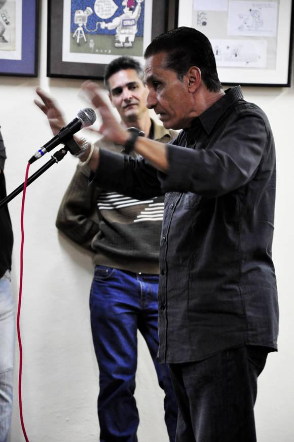 Churrisco en uno de sus monologos. Foto. Roberto Garaicoa/Cubadebate.