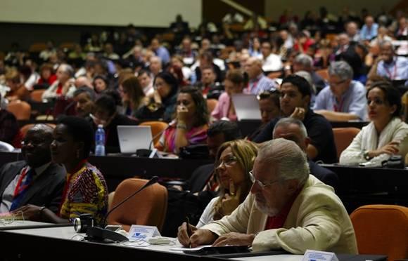 El intelectual argentino, Atilio Borón, presente en la conferencia de Betto. Foto: José Raúl Concepción/Cubadebate.