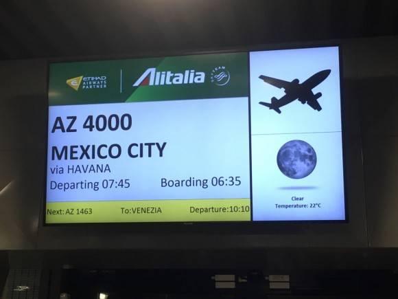 El Papa Francisco tomó el vuelo AZ 4000 de Alitalia. Foto: @RosaFlores/ Twitter