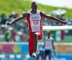 Copello saltó 16,99 en Alemania. Foto: AFP.