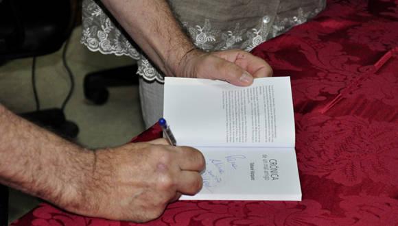 Presentación del libro Crónicas de un mal amigo. Foto: Roberto Garaycoa/Cubadebate/Archivo