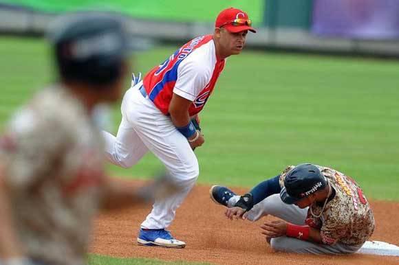 Yorbis Borrot tuvo un buen rendimiento a la defensa. Foto: Ricardo López Hevia/Granma/Cubadebate.