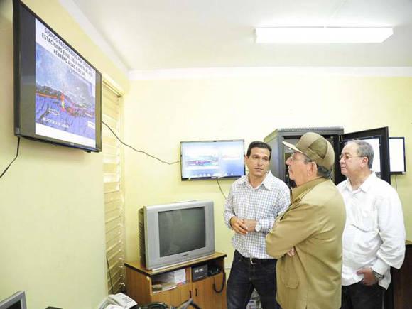 Presidente cubano visita Centro de Investigaciones Sismológicas