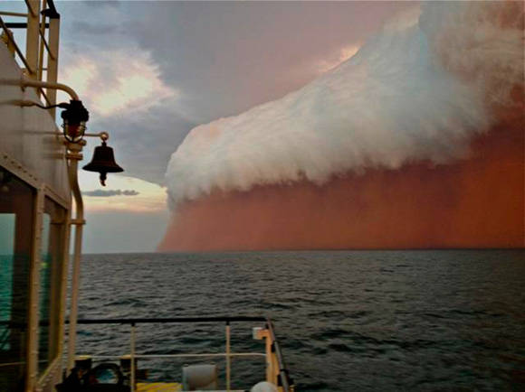 Enorme tormenta de polvo. Australia Occidental, 2013. Foto. imgur.