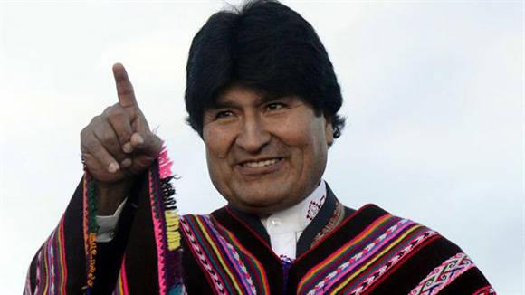 """""""La necesidad de que el compañero Evo Morales continúe al frente de la gran transformación que está experimentando para bien el pueblo de Bolivia es obvia"""", dice Retamar."""