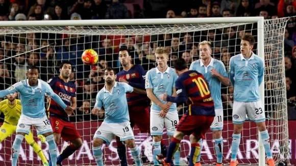 Messi metió golazo en tiro libre. Foto: EFE