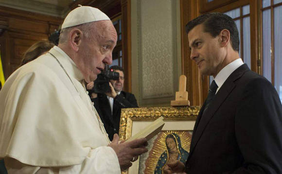 En México fue recibido por el presidente Enrique Peña Nieto.