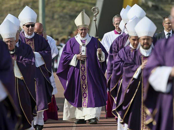 El Papa Francisco termina hoy su visita en México donde ofreció cinco misas. Foto tomada de TeleSur.