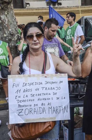 Denuncian en Plaza de Mayo sistema de despidos de Macri. Foto. Kaloian/Cubadebate.
