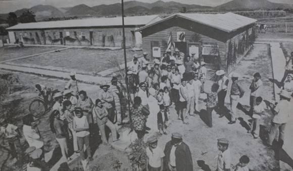 El pueblo acudió masivamente a votar en el Referendo constitucional en 1976. Foto: Archivo de Trabajadores