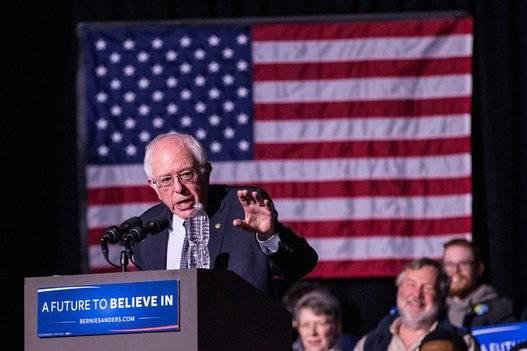 Bernie Sanders ha dado la sorpresa en la carrera hacia la nominación demócrata. Foto: AFP.