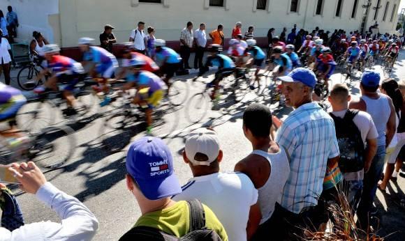 7ma etapa-Ciego-Tope Ganador Jose Mojica Artemisa meta volante en SSP. Foto: Ricardo López Hevia