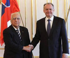 Presidente de Eslovaquia recibe a Ricardo Cabrisas
