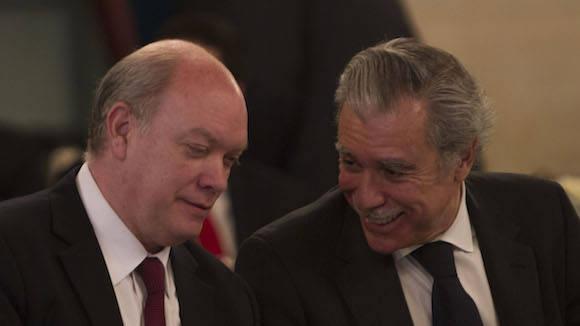 Rodrigo Malmierca (izquierda) y Carlos Gutiérrez, presidente del Consejo de Negocios Cuba-EEUU, de la Cámara de Comercio de ese país. Foto: Ismael Francisco/ Cubadebate