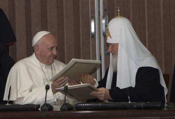 Francisco y Kirill firman histórica Declaración en La Habana