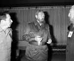 Fidel, Raúl y Ramón durante un receso del XVII Congreso de la CTC, abril de 1996