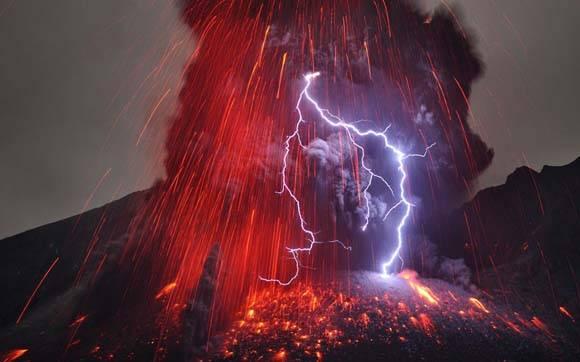 Sakurajima, volcán de Japón, entró en erupción. Foto: Martin Rietze.