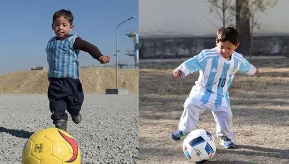 Niño afgano Murtaza Ahmadi recibió una camiseta del astro argentino Messi. Foto: Toronto Star.
