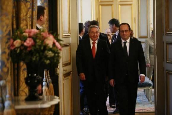 Raúl y Hollande llegan al Elíseo. Foto: Telesur
