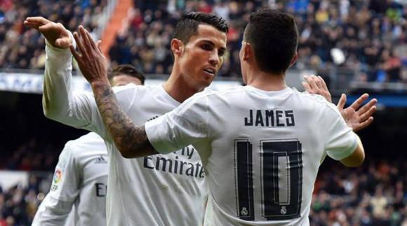 James y Cristiano celebran un gol, hoy. Foto: Gerard Julien/AFP.