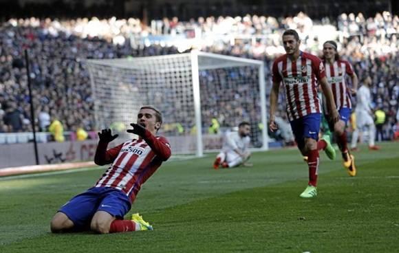 El gol del atacante francés desató la ira de los hinchas del Madrid, cuyo equipo quedó muy lejos del Barcelona y sin posibilidades reales de luchar por la liga.