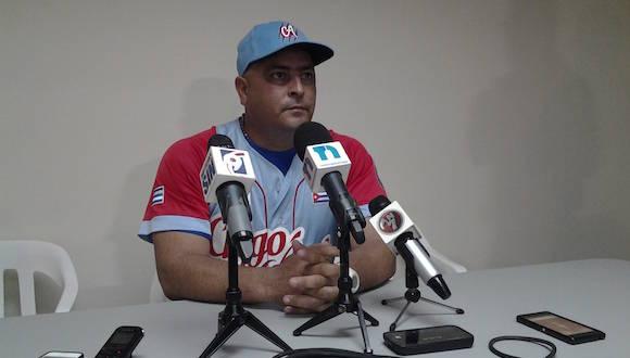 """""""Fue un partido donde México salió delante en el segundo inning y el pitcheo abridor de nosotros, Vladimir García, no pudo aguantar"""", dice Roger Machado."""