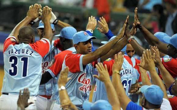 Tigres Avileños derrotan a los Leones del Escogido, en extra-inning del 4to. choque clasificatorio, y pasan a semifinales de la 58 Serie del Caribe de Béisbol, en el Estadio de Quisqueya Juan Marichal, en Santo Domingo, República Dominicana, el 6 de febrero de 2016. Foto: Ricardo López Hevia/Granma/AC.