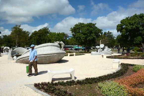 El Parque de los Tiempos, conjunto escultórico inspirado en la obra del Maestro Cosme Proenza, en ejecución en la ciudad de Holguín. Foto: Juan Pablo Carreras/ACN