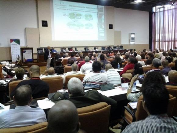 Panel: Informatización de la sociedad cubana. Foto: Oscar Figueredo Reinaldo/ Cubadebate.
