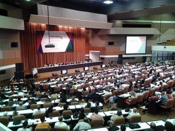 El tema del evento este año será Conectando Sociedades e incluirá diversas conferencias, paneles y mesas redondas que se celebrarán en el Palacio de las Convenciones de La Habana y en el recinto ferial de Pabexpo. Foto: Oscar Figueredo Reinaldo/ Cubadebate.
