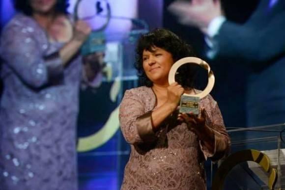 En 2015, recibió el premio Goldman para América Latina.