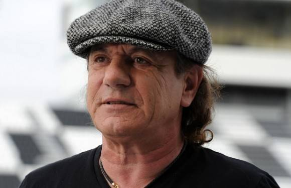 Brian Johnson. Foto tomada de metaltrip.com