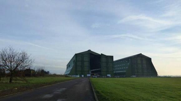El hangar 1 fue creado en 1917, el segundo se anexó en 1925. Foto: Hybrid Air Vehicles.