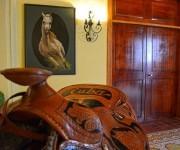 Mobiliario de la recepción del Hotel Caballeriza, inmueble de nueva creación puesto en marcha recientemente, es evidencia de un programa que se ejecuta para hacer del turismo una importante actividad económica en la ciudad de Holguín, Cuba, el 11 de marzo de 2016. ACN FOTO/Juan Pablo CARRERAS