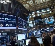 Un panel del banco Goldman Sachs en la bolsa de Wall Street. REUTERS