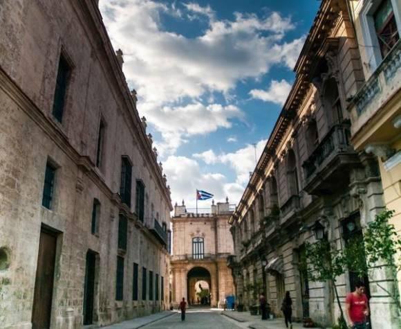 Declarada por la Unesco Patrimonio de la Humanidad en 1982, La Habana Vieja, es el reflejo de una mezcla de estilos arquitectónicos y el testimonio de diferentes épocas. Foto: Abel Padrón Padilla / ACN