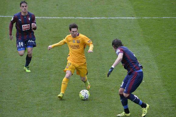 Messi comenzó la temporada con poca producción anotadora, pero en el año 2016 ha remontado posiciones en la tabla de máximos anotadores. Foto: Vincent West/Reuters.