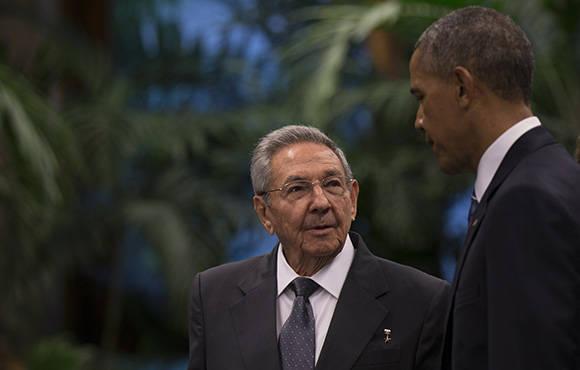 Raúl y Obama antes de comenzar las declaraciones oficiales. Foto: Ismael Francisco/Cubadebate.