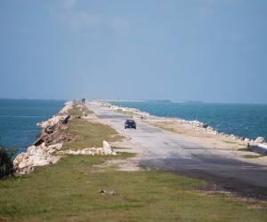 Avanza construcción de vial que une los cayos Coco y Jigüe